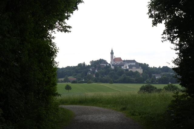 Kloster in Sicht!